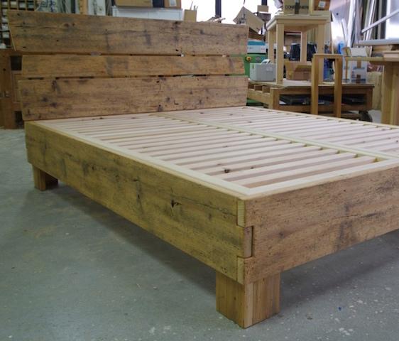 Legno antico - Letto in legno naturale ...